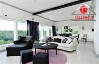 - CENTAR - Luksuzno opremljen četvorosoban stan